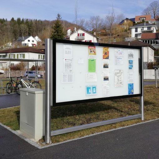 Leuchtkasten mit LED Hinterleuchtung für Gemeinde-Informationen, Karten, Farpläne und Mehr. Durch LED Hinterleuchtung werden Infos sichtbar