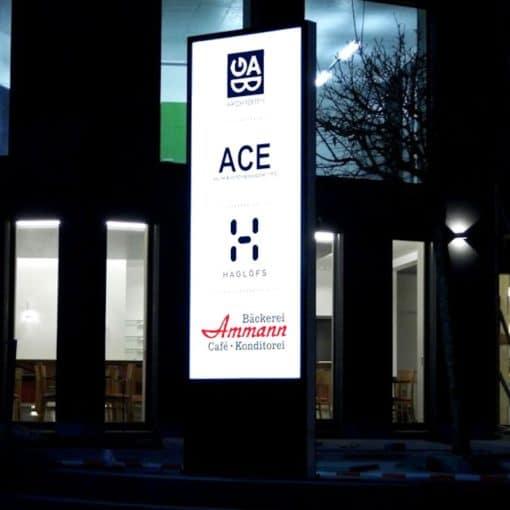 LED-Pylone Amden, LED Stele, Pylon, Leuchtpylon, Leuchtstele, Werbestele, Werbepylon, LED Leuchtreklame, Firmenbeschriftung