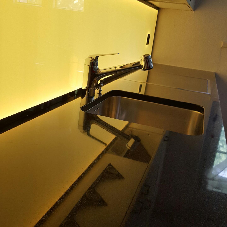 LED Küchenwand, Küchenrückwand, Flachleuchte, Küchenleuchte, RGB