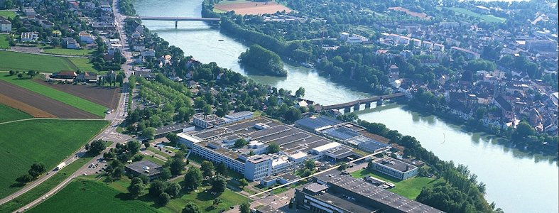 Stein AG an der Deutschen Grenze, LED Pylon, Dreiseitige Leuchtreklame