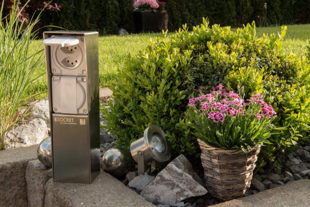 Gartensteckdose, Steckdosensockel ESOCKET 350 für Ihren Garten, Aussensteckdose aus Edelstahl, Swissmade, Steckdosensäule, Elektromaterial, EM, Winterhalter Fenner, WF
