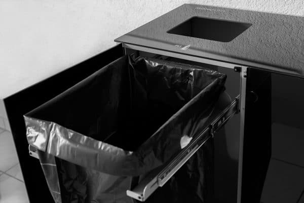 Monolith Trio Wertstoffbehälter, Wertstofftrennbehälter, Abfallsammelbehälter, Abfalleimer, Wertstoffsammler,Stadtmobiliar, Glas Alu Edelstahl, Recyclingstation