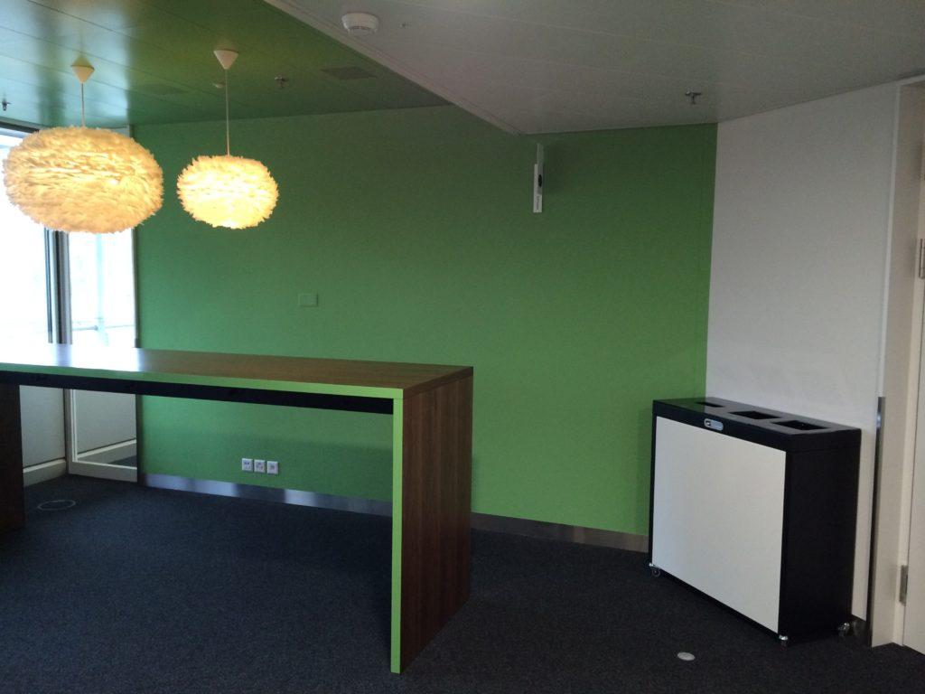 Recyclingstation Multilith, Wertstoffbehälter, Innen, Drinnen, Büro, Aufenthaltsbereich, Schulen, öffentliche Einrichtungen