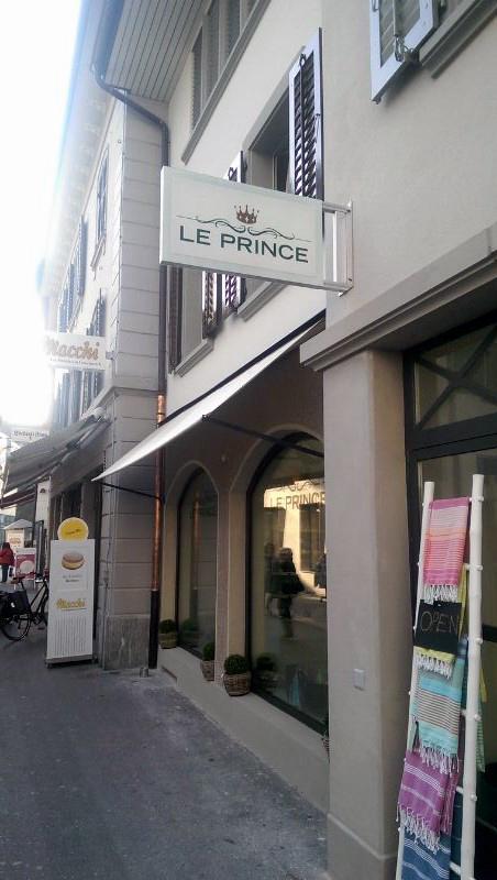 Le Prince Luzern, LED Stechschild, Leuchtschild, Leuchtkasten, Nasenschild, Leuchtreklame