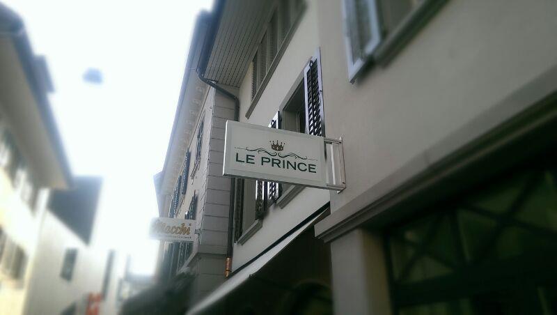 Le Prince Luzern, LED Stechschild, Leuchtschilder, Leuchtschild, Leuchtkasten, Nasenschild