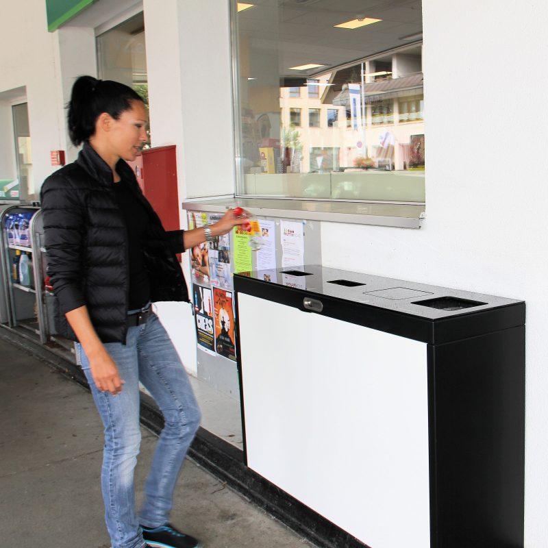 Recyclingstation, Entsorgungsberatung, Abfalltrennung, Recycling Behälter, Wertstoffbehälter