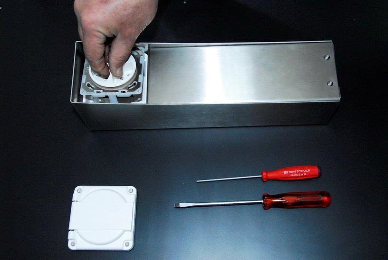 Steckdosensockel Edelstahl Inox, Schweizer Steckdose für Ihre Terrasse, Gartensteckdose, outlet socket, prise de courant