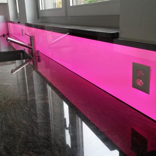 Bildergebnis für LED Küchenpannel RGB W, light wall, beleuchtete Küchenrückwand,