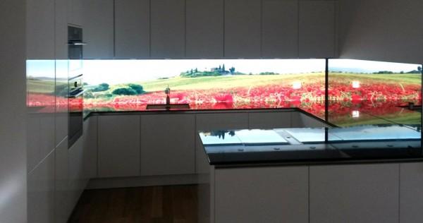 Beleuchtete Küchenrückwand Toskana, homogen leuchtende LED Glaswand, LED Glasrückwand, Leucht Rückwand, LED Pannel, kitchen splashback led