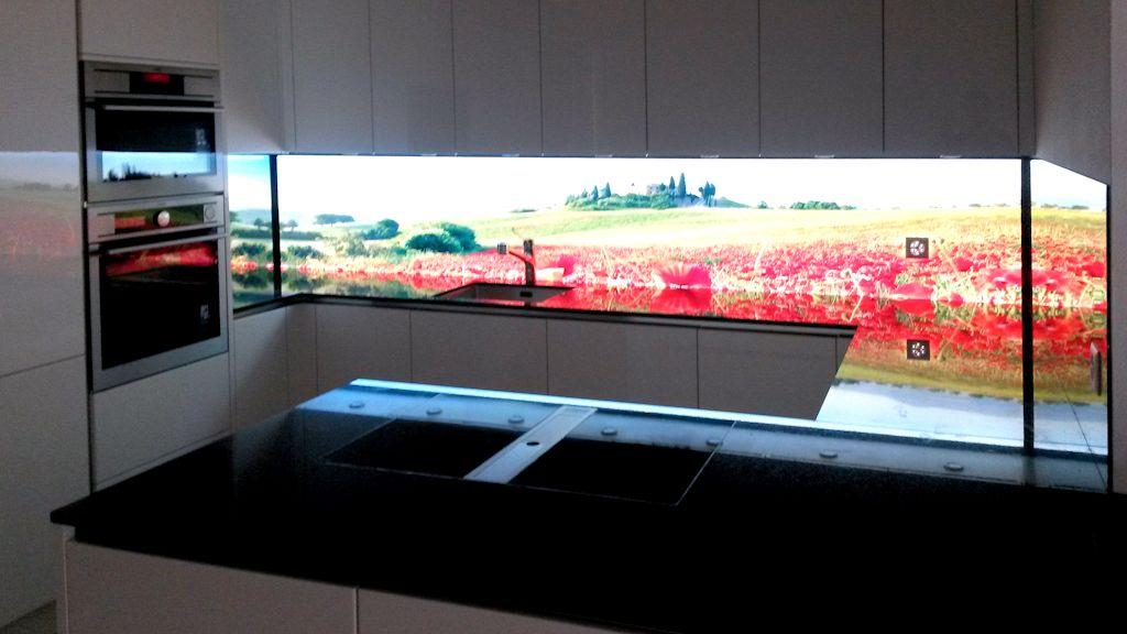 Bildergebnis für Hinterleuchtete Küchenrückwand Toskana, LED Flachleuchte, Leuchtpannel, Swissmade ind ESG Glas