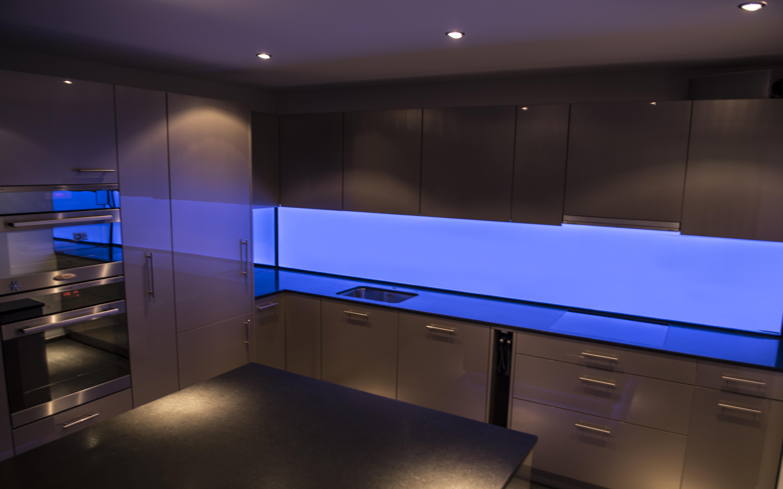 Groß Undercabinet Küchenbeleuchtung Fotos - Ideen Für Die Küche ...
