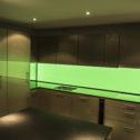 k chenr ckwand homogen hinterleuchtetes esg glas mit led beleuchtung. Black Bedroom Furniture Sets. Home Design Ideas