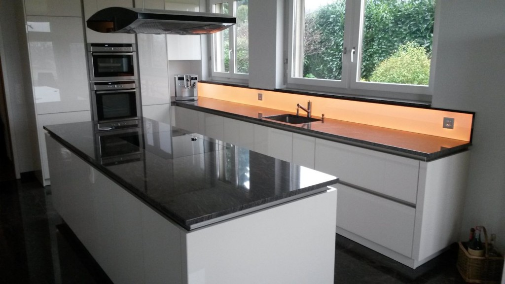 Bildergebnis für Küchenrückwand LED RGB WW, Leuchtpanel LED, RGB WW Leuchtfläche, Deko