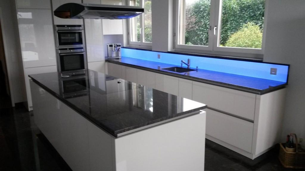 Bildergebnis für LED Küchenrückwand RGB WW, Leuchtpanel LED, RGB WW Leuchtfläche, Deko