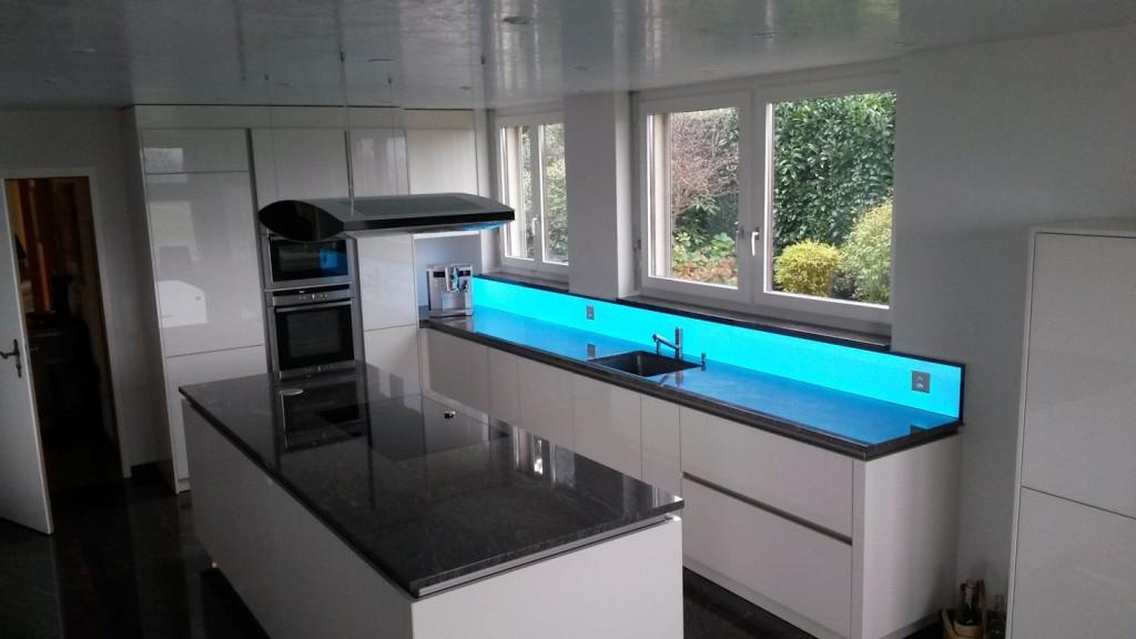 Bildergebnis für Küchenwand LED RGB , Leuchtpanel LED, RGB WW Leuchtfläche, Deko