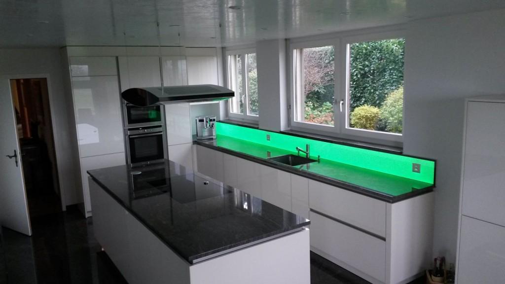 Bildergebnis für LED RGB Küchenrückwand, Leuchtpanel LED, RGB WW Leuchtfläche, Deko