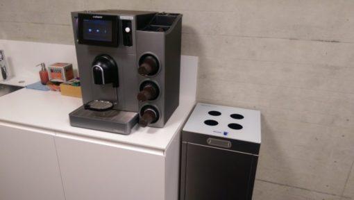 Recyclingstation, Bechersammler, Multilith, Thun,. Wirtschaftsschule, Edelstahl, Inox, Chromstahl, Kaffeebecher