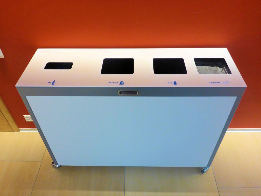 Multilith 4.0, Entsorgungsstation, Recycling Station, Wertstoffbehälter Betagtenzenter Emmen, Public Waste bins, Poubell recyclage