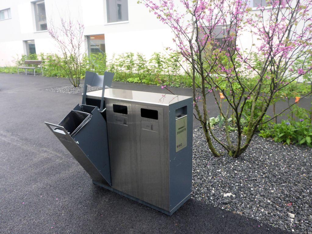 W3 Wertstoffbehälter, Stadt Mobiliar, Abfallbehälter, Recycling Station, Abfallbehälter, Abfallstation, Schweiz, Public Waste bins, Poubell recyclage