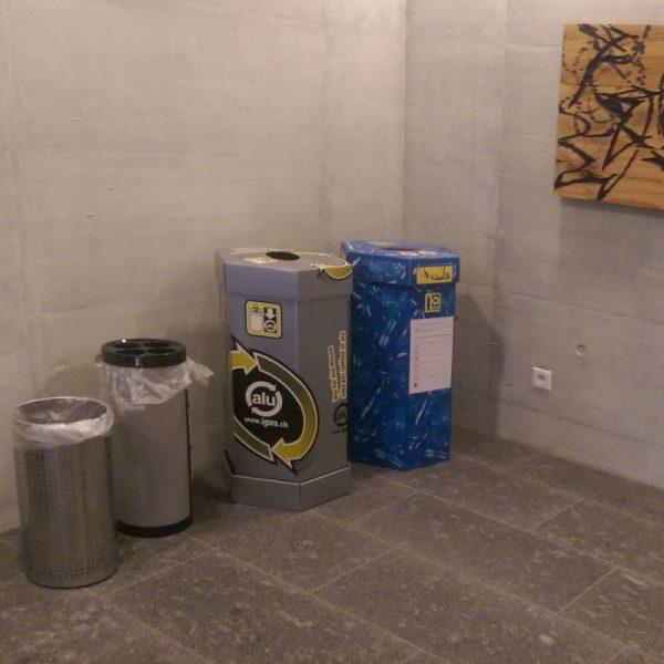 Recycling, Abfalltrennung, Recyclingstation, Büro, 110l, Mülltrennung, Wertstoffsammler, Bechersammler, PET, Alu, Abfall