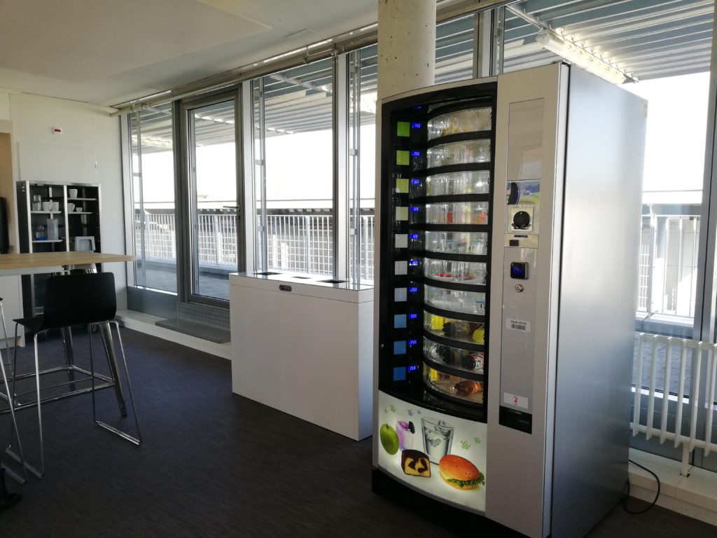 Recyclingstation Multilith 3.0, Public Waste bins, Wertstofftrenner Migros Aare, Abfall PET, Papier, 110l, Innen. Büro, Office, Abfallbehälter, Abfalltrenner