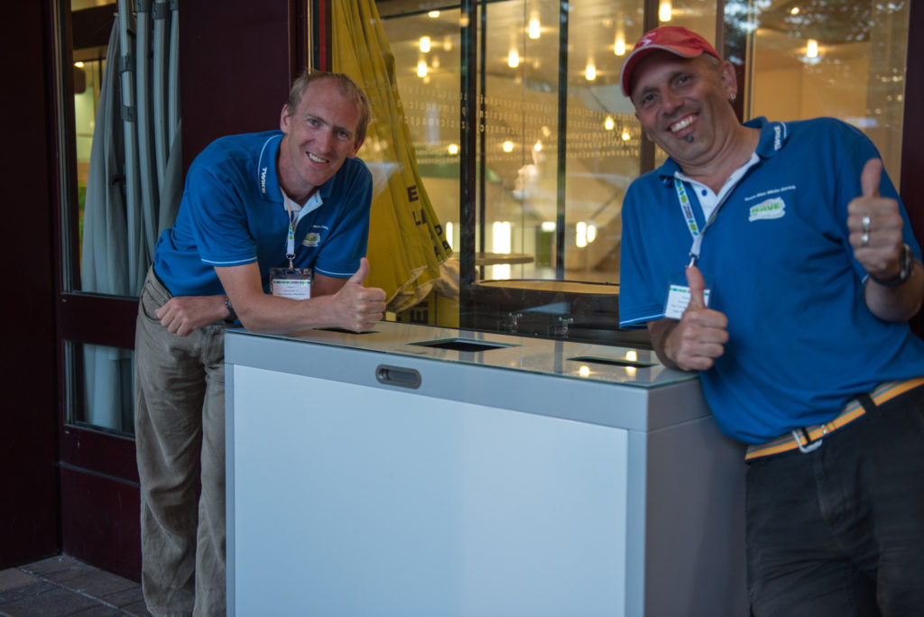 Team BlueWhite mit unserer Recyclingstation Multilith an der Wave Trophy 2018 im KBZSG