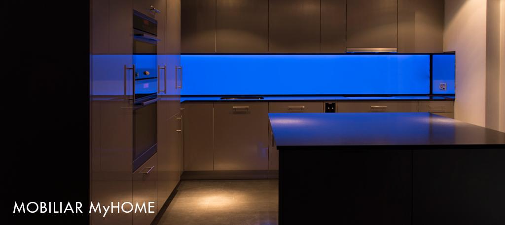 LED Küchenrückwand, Leuchtwand, RGB, Flachleuchte, ESG Glas hinterleuchtet, Küchen Deko, Kitchen wall